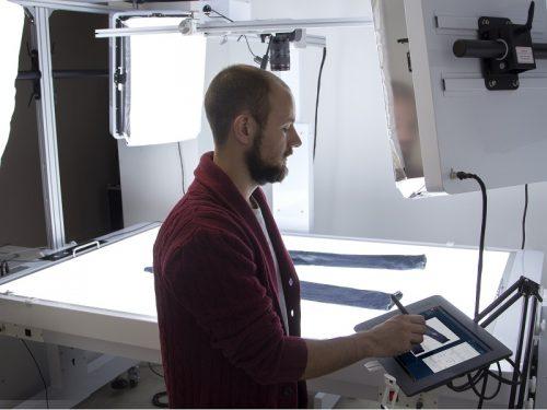 LiveLight lighting control for photo studio