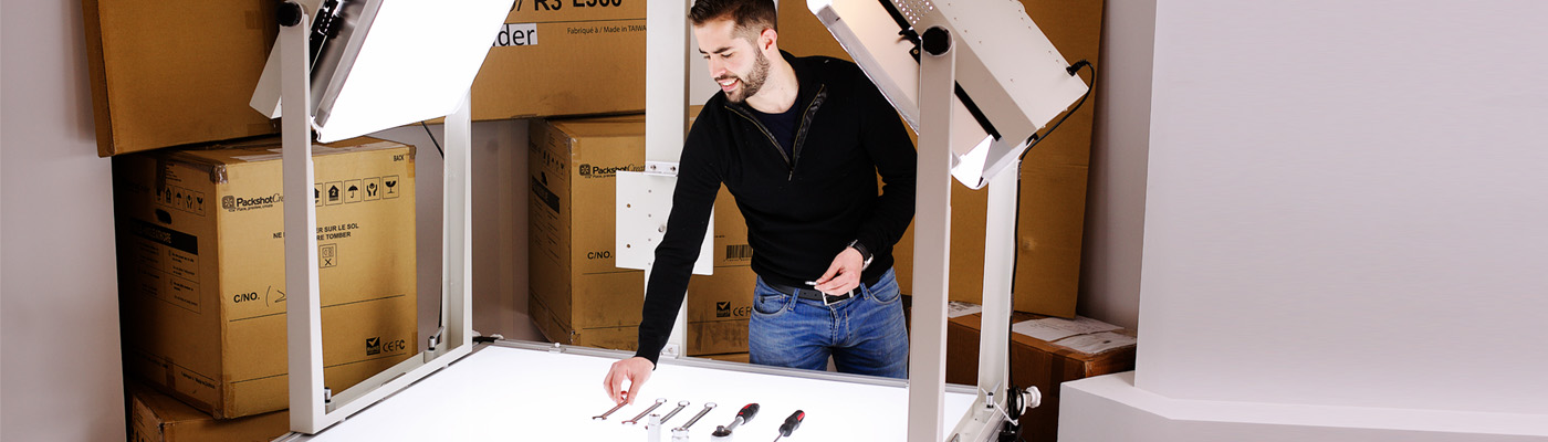Fotograferen van technische onderdelen en gereedschap in de studio