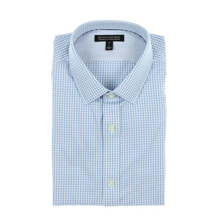foto van een shirt in een fotostudio
