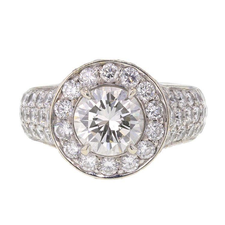 hyperfocus op een foto van een ring om alle details te zien